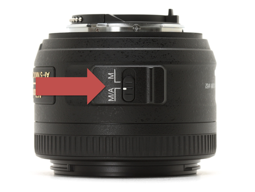 how to switch camera lens from auto/manual focus to manual focus