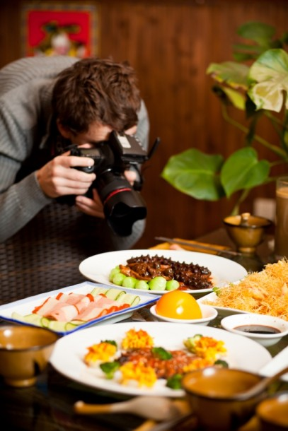 taking-pictures-of-food
